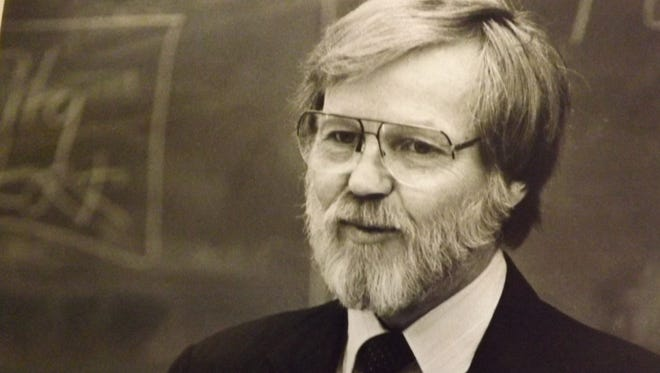 Frank Waltermann addresses a group at Indiana University East in this 1989 photo. Waltermann has died at age 76.