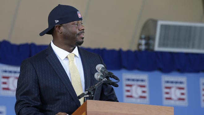 Ken Griffey Jr., put on a Hall of Fame hat with his signature backward turn during his speech.