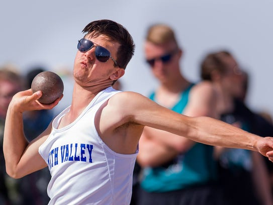 Smith Valley's Bartek Kuzia competes in the Men's Shot