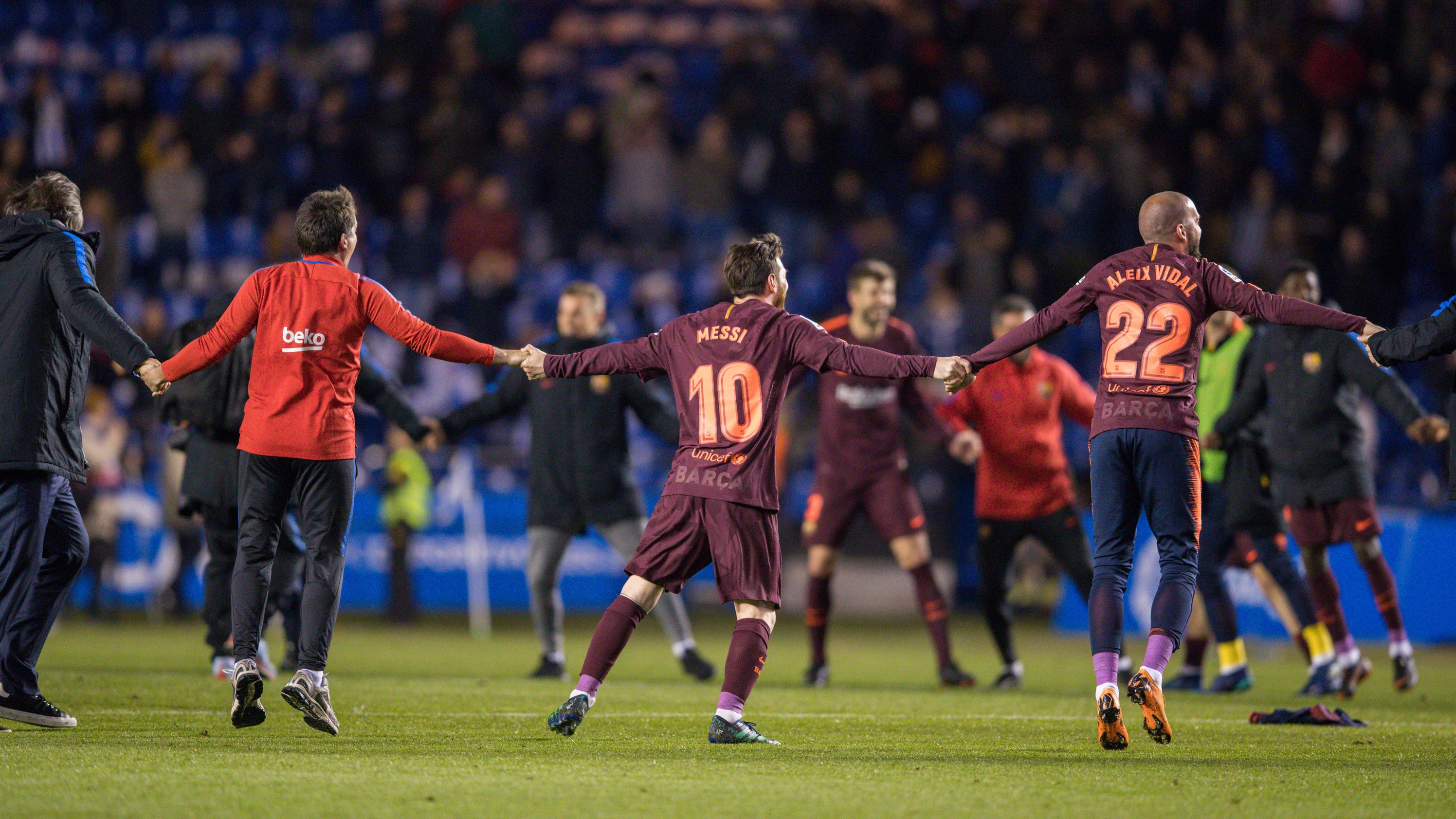 Barcelona wins league title in an almost perfect season - Firefly barcelona ...