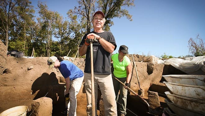 Dr. Lopinot and his team digging at the excavation site in Oklahoma.