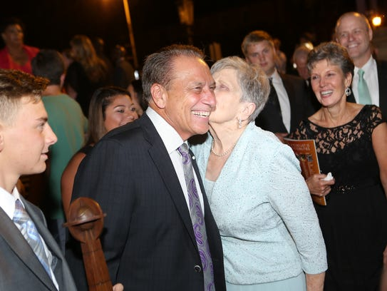 Dorothy Izzo, here kissing her son and MSU basketball