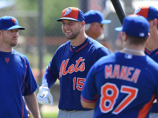 Tim Tebow made his debut at the New York Mets Instructional League in Port St. Lucie, Fla., on Monday, Sept. 19, 2016