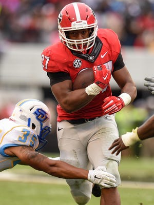 Georgia Bulldogs running back Nick Chubb left the game against Tennessee early with a severe left leg injury.