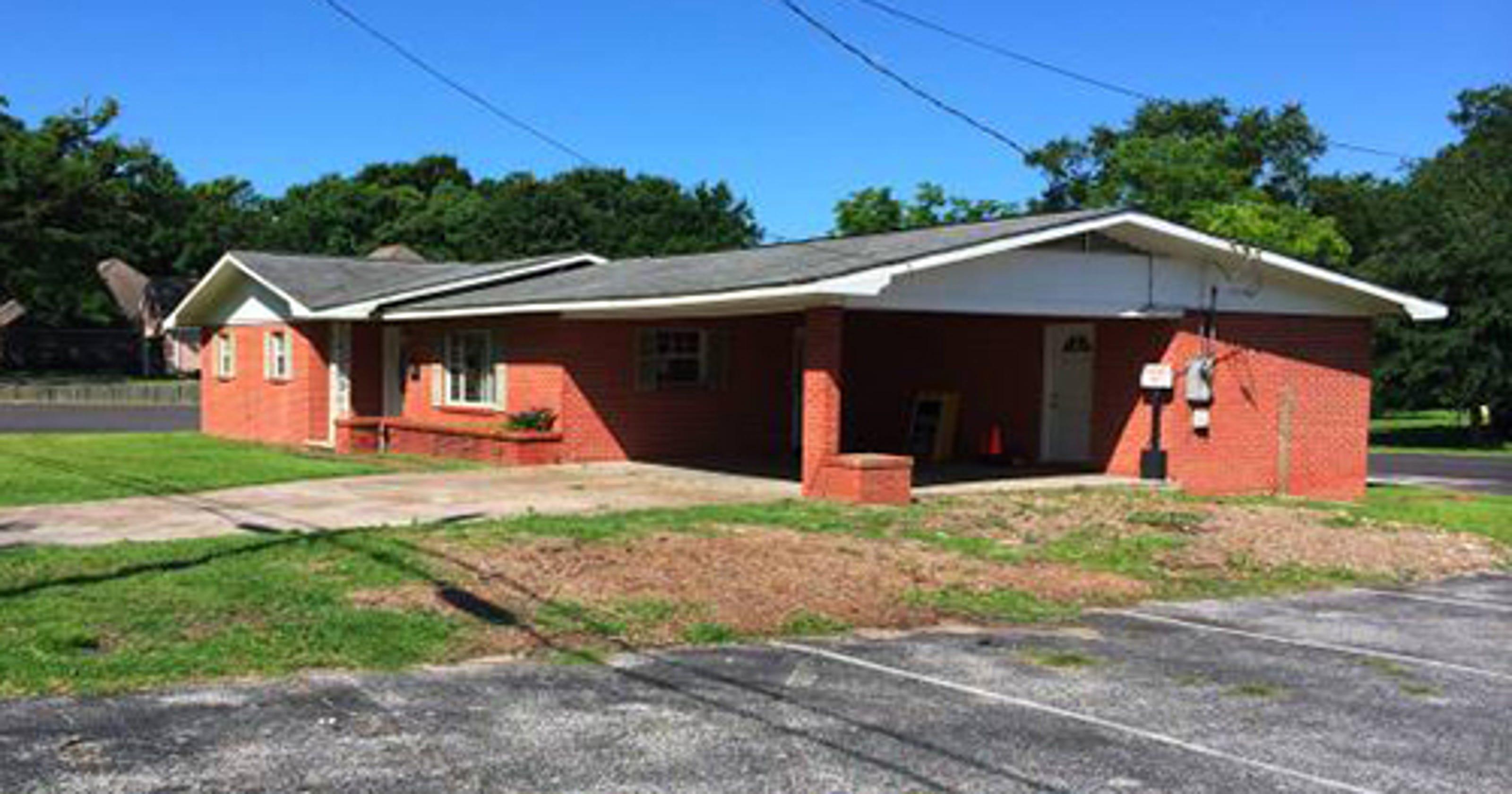 Free house listed on Craigslist by Pascagoula church