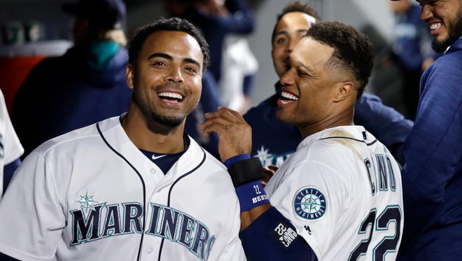 The Mariners' Nelson Cruz, left, and Robinson Cano will be teammates for the defending champion Dominican Republic in the World Baseball Classic.