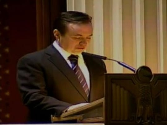 Mayor John Cranley speaks at funeral service for Daryl