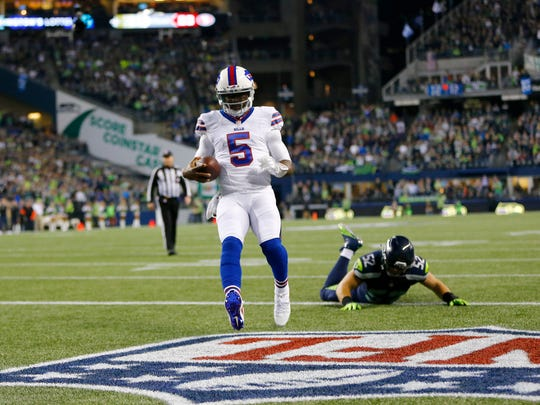Tyrod Taylor got the Bills off to a great start with this three-yard touchdown run in the first quarter.