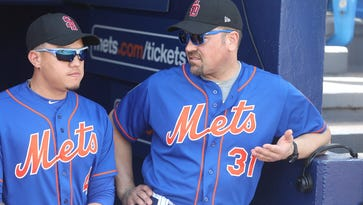 Mets legend Mike Piazza visits camp, doesn't rule out owning MLB team in future