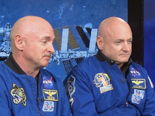 Astronauts Mark Kelly (left) and Scott Kelly (right)