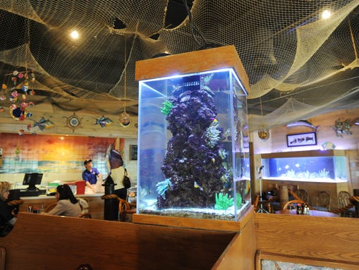 10 restaurants that will make you feel like you 39 re on for Kona fish market