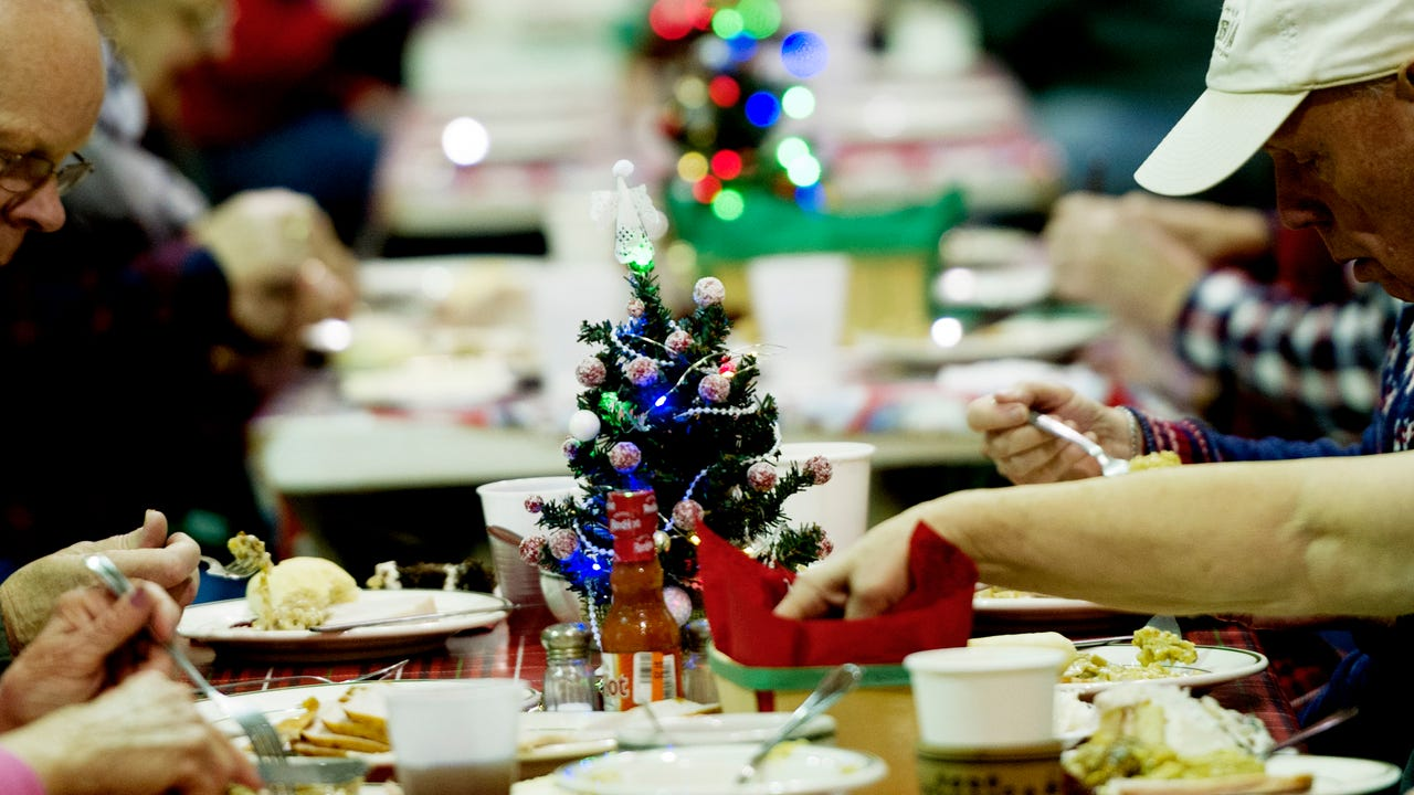 First United Methodist Church of Oak Ridge serving up free meals on Wednesday, December 13, 2017.