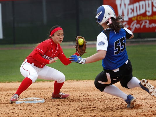 APSU EIU softball 01.jpg