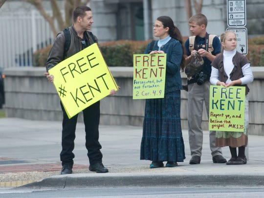Supporters of creationist Kent Hovind are Pensacola this outside the Federal Courthouse on Palafox Street in as show of support for the imprisoned evangelist. Hovind in scheduled to apear in federal court this week in new charges.