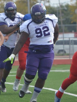 Jamori Fox, a defensive tackle out of Ellsworth Community College in Iowa, signed Monday with CSU's football program, coach Mike Bobo said. Fox has three years of eligibility remaining, beginning this fall.