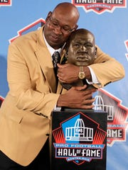 Seahawks great Cortez Kennedy was inducted into the