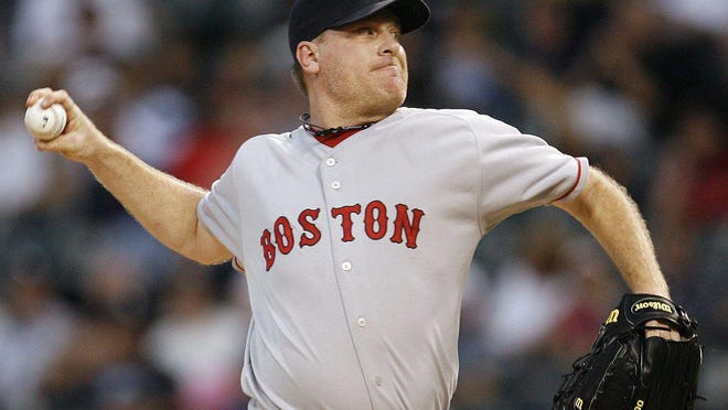 Curt Schilling is the leading returning vote-getter on the Hall of Fame ballot .