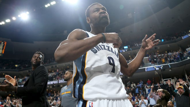 Memphis Grizzlies Tony Allen comes out of the game against the Golden State Warriors.