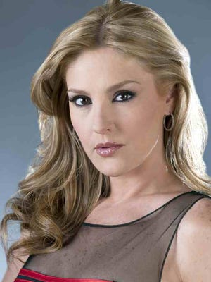 """Chantal no sabe si el villano de """"Señora Acero 3,""""La Coyota"""", regresará a Televisa para protagonizar """"El Bien Amado""""."""