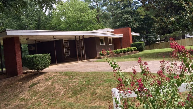 Only one family has lived in this mid-century modern home at 6080 Raleigh-Lagrange Road, built in 1952.