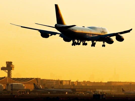 BOEING 747-8 CUTBACK