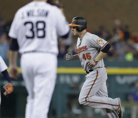 Orioles' Chris Davis launches two-run homer off Fr...