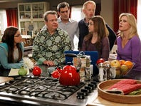 """MODERN FAMILY - """"Flip Flop"""" - Phil is pretty confident in his ability to sell Claire and Cam's flipped house, but when it proves to be a little harder than he thought, he recruits the whole family into taking some desperate, borderline crazy measures. Meanwhile, Javier (guest star Benjamin Bratt) is visiting Manny and brings along his new girlfriend (guest star Paget Brewster), which doesn't sit very well with Gloria, on """"Modern Family,"""" WEDNESDAY, APRIL 10 (9:00-9:31 p.m., ET) on the ABC Television Network. (ABC/Peter """"Hopper"""" Stone) ARIEL WINTER, ERIC STONESTREET, TY BURRELL, JESSE TYLER FERGUSON, SARAH HYLAND, JULIE BOWEN, NOLAN GOULD ORG XMIT: 151903293 [Via MerlinFTP Drop]"""