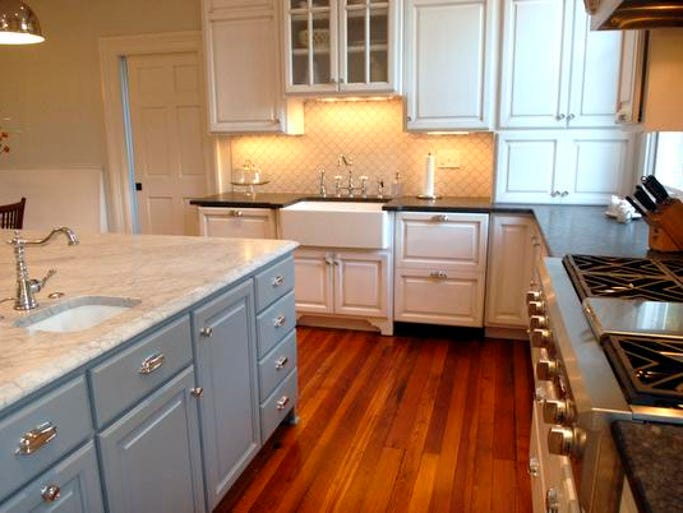 Gallery stately in anchorage for Anchorage kitchen cabinets
