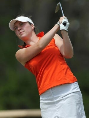 Brittany Altomare of Shrewsbury shot 68 to pull into the top 20 entering the final round of the LA Open.