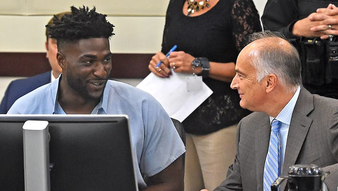Cory Batey, left, and his lawyer Peter Strianse appear in court on Thursday Sept. 15, 2016, in Nashville, Tenn. Strianse argued a routine motion for a new trial on Friday, Oct. 21, 2016.