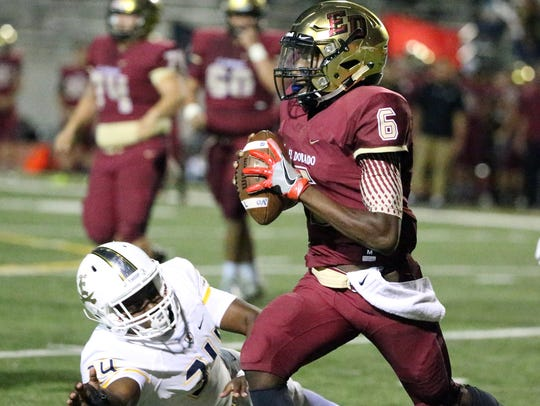 El Dorado quarterback Cedarious Barfield gets around