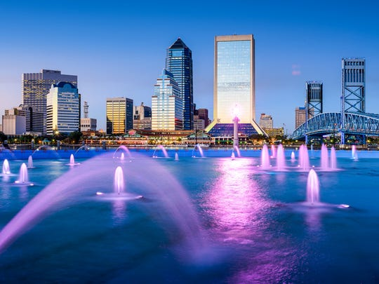 Jacksonville, Florida, skyline over St. Johns River.