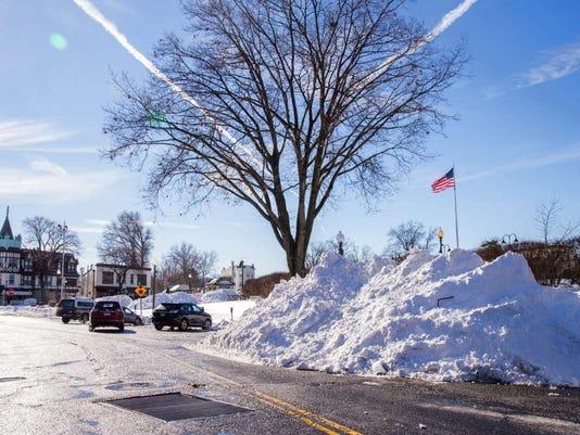 012916-rn-snowdowntown.jpg