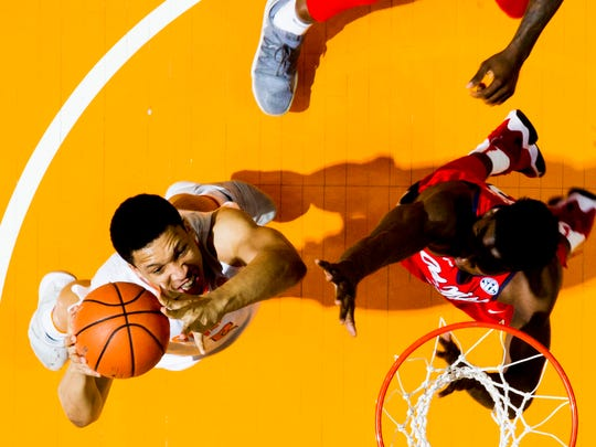 Tennessee forward Grant Williams (2) shoots a layup during a game between Tennessee and Ole Miss at Thompson-Boling Arena in Knoxville, Tennessee on Saturday, February 3, 2018.
