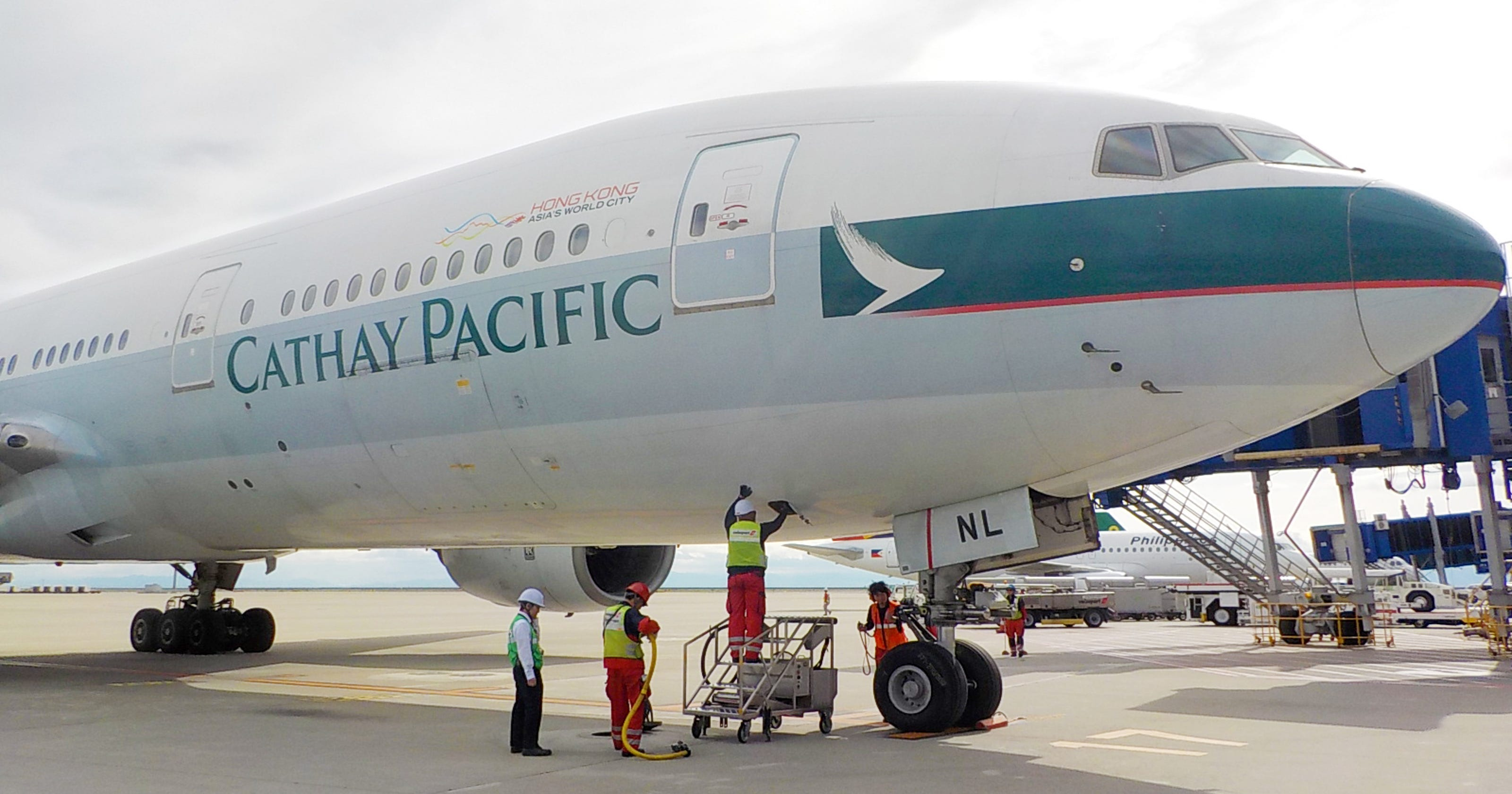 First-ever Boeing 777 makes final flight to Arizona museum