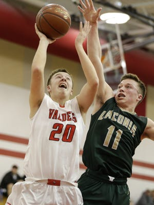 Valders' Treyner Sundsmo (20) takes it to the hoop against Laconia at Valders High School Saturday, Jan. 27, 2018, in Valders, Wis. Josh Clark/USA TODAY NETWORK-Wisconsin