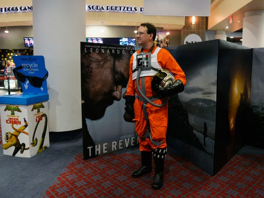Yorkers share fan stories at 39 star wars 39 premiere for Franks theater york pa