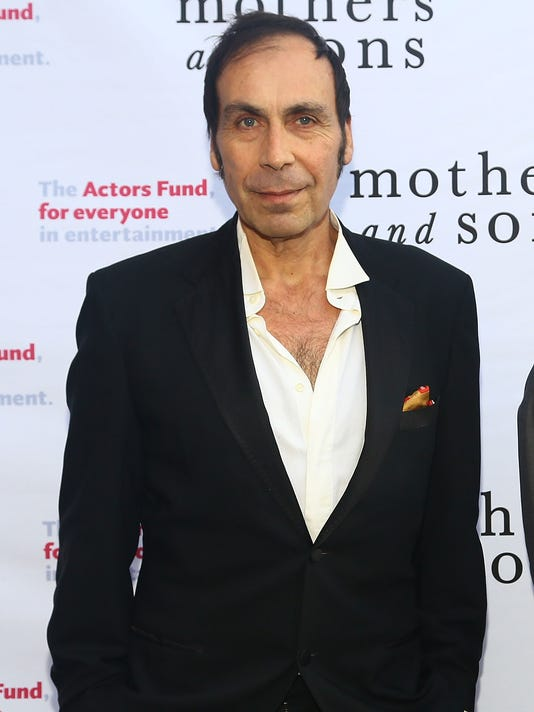 b63978b5f438f1 Comedian actor Taylor Negron dies at 57