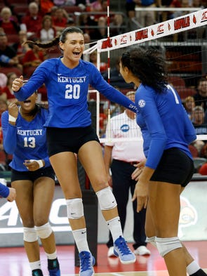 Wildcats volleyball sweeps Cards