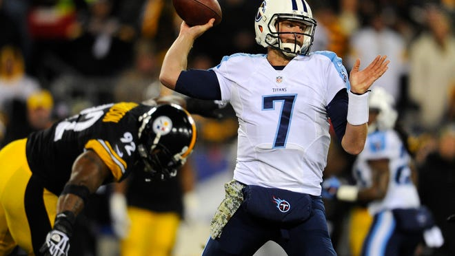 Titans quarterback Zach Mettenberger (7) throws a pass against the Steelers.