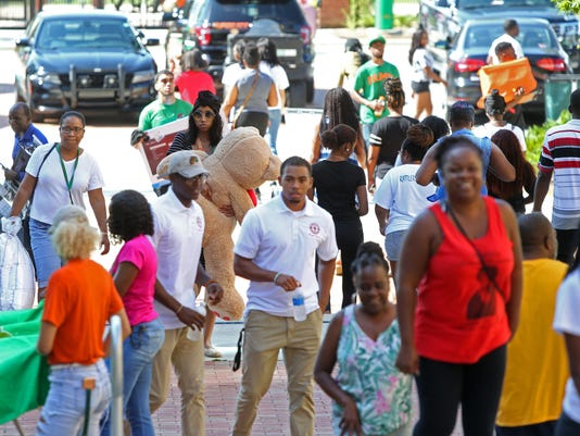 636650396312020608-FAMU-students.jpg