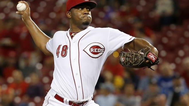 Reds starting pitcher Keyvius Sampson delivers in the third inning against the Royals on Wednesday night.