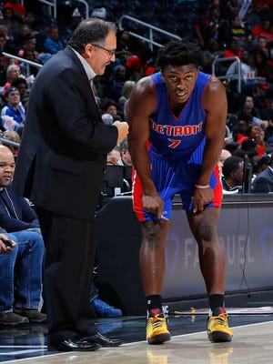 Pistons coach Stan Van Gundy converses with Stanley Johnson during the game against the Atlanta Hawks at Philips Arena on Oct. 13, 2016 in Atlanta.