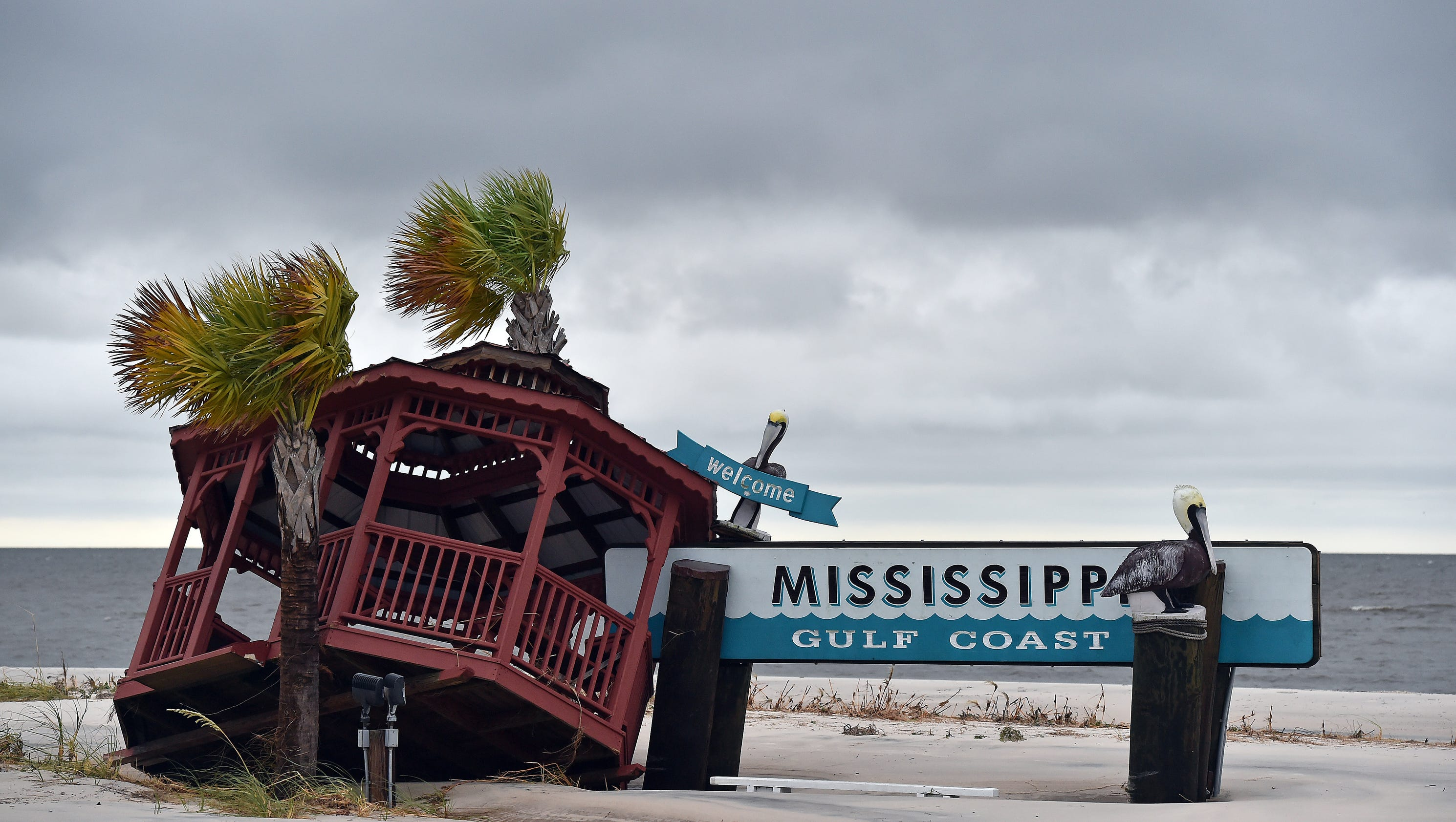 Hurricane Nate landfall in Mississippi brings flooding power outages