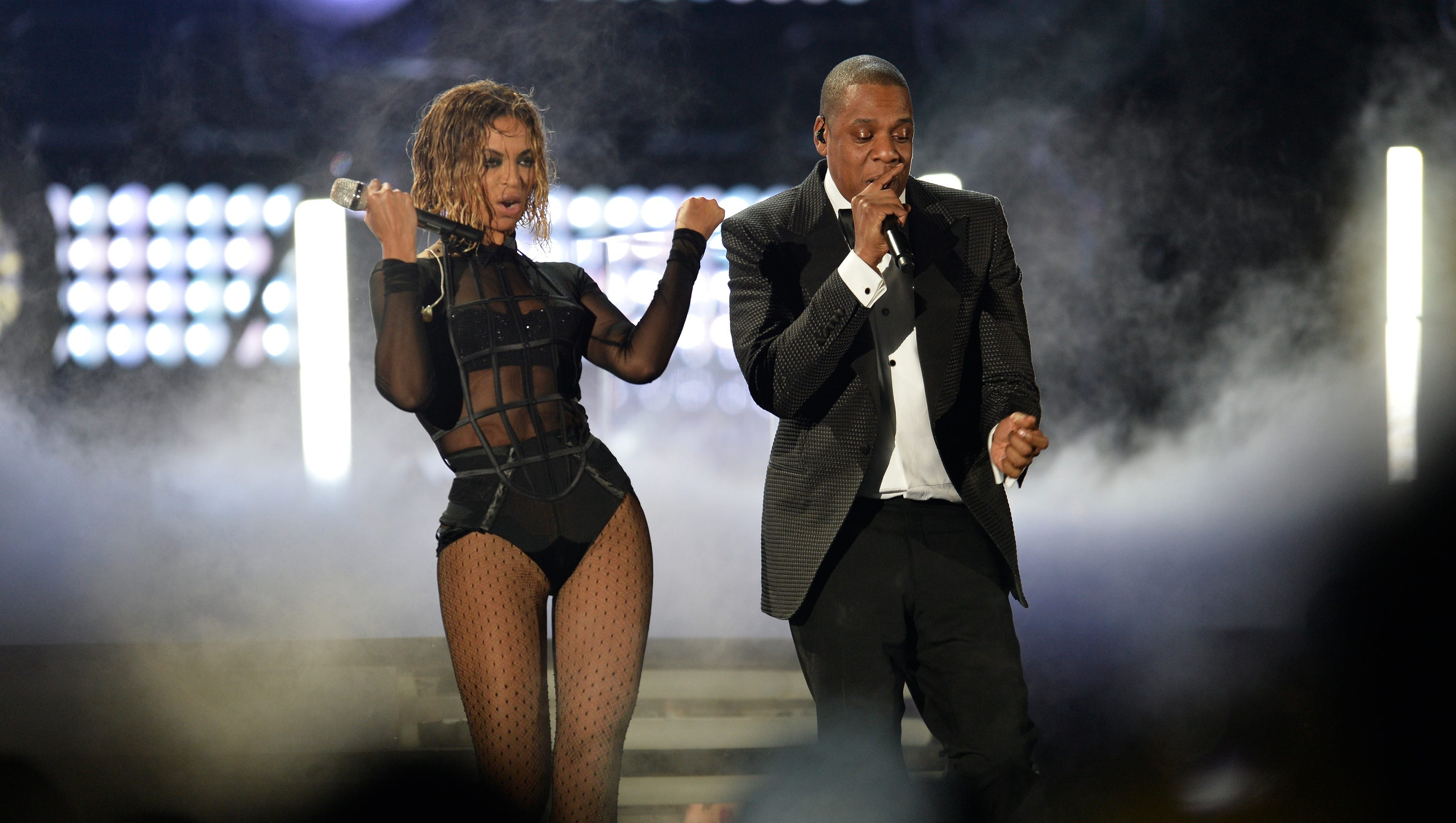 Beyonce and jay z announce on the run ii tour heres how to get beyonce and jay z announce on the run ii tour heres how to get tickets kristyandbryce Choice Image