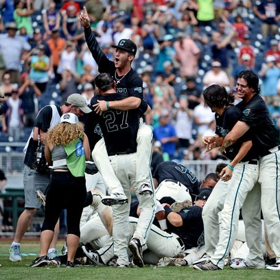 College World Series final: Coastal Carolina vs. Arizona