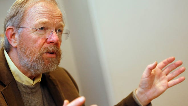 For the International Lecture series at Vero Beach Museum of Art, only simulcast seating is available and all Bill Bryson tickets are spoken for.