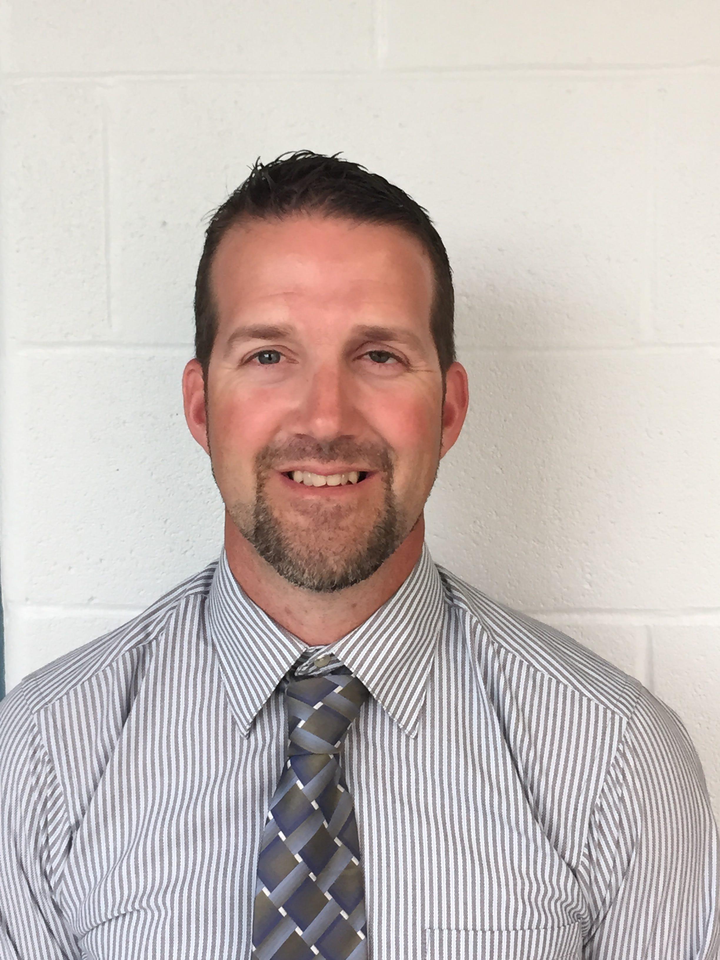 Clyde alum Dave Lozier is new Fliers girls hoops coach