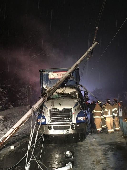 636518048114550124-Seventh-Street-crash1.jpg