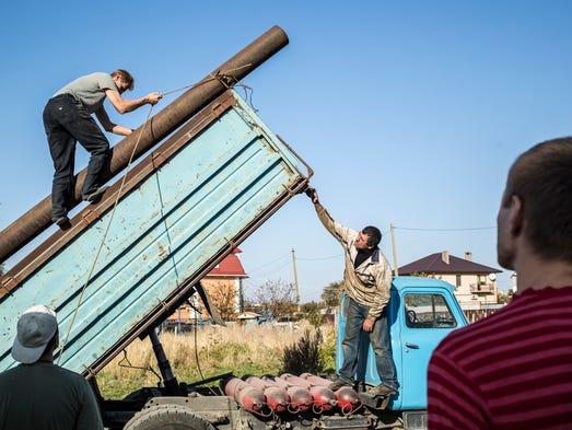 Ukrainians find new weapon in war: Self-reliance